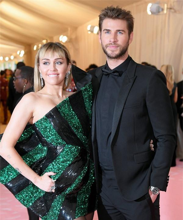 Miley Cyrus và Liam Hemsworth.