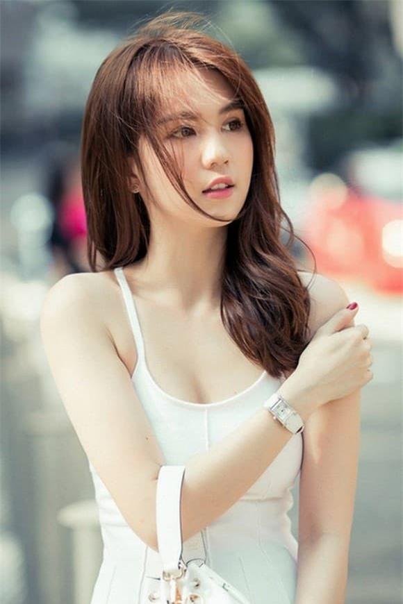 ngoc-trinh-04-ngoisaovn-w600-h900-ngoisaovn-w580-h870 2