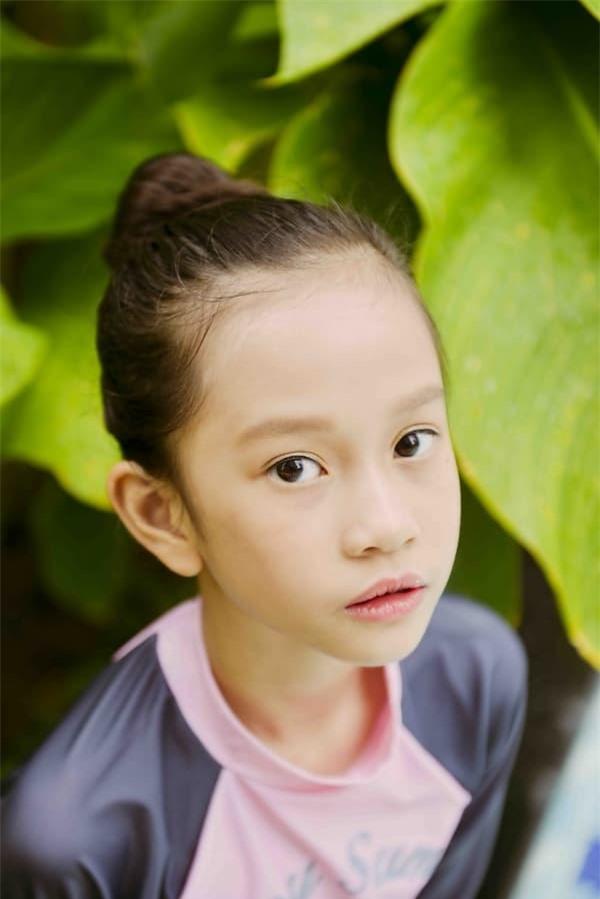 mau-nhi-khanh-linh-58-5-ngoisaovn-w600-h899 5
