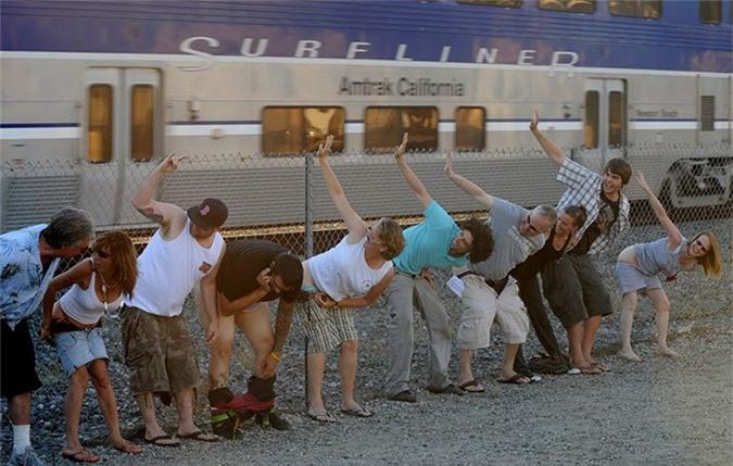 Không để lộ mông ở Hy Lạp