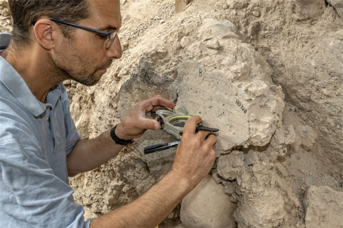 Thêm bằng chứng Trái Đất sắp đảo ngược lộ ra trong thành phố cổ 2.600 tuổi - Ảnh 1.