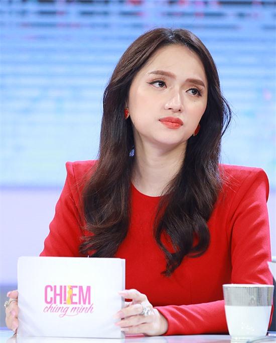 Hoa hậu Hương Giang đồng cảm với nỗi đau bị phụ bạc của Thuý Ngân. Cô không ngờ ngoài đời Hân hoa hậu của Gạo nếp gạo tẻ cũng từng gặp tiểu tam.