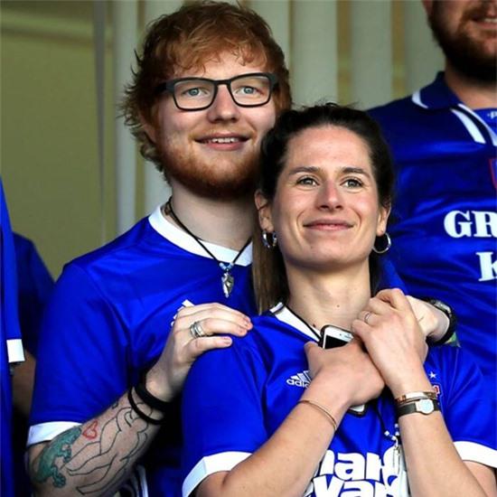 Ed Sheeran và vợ.