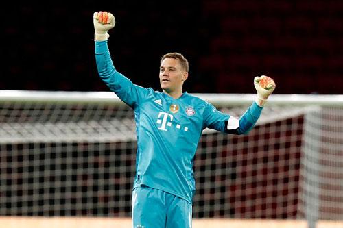 Thủ môn: Manuel Neuer (Bayern Munich).