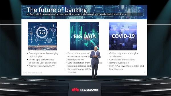 Chủ tịch kiêm nhà sáng lập The Asian Banker, Emmanuel Daniel, tin rằng tương lai của ngành ngân hàng sẽ được chuyển đổi bởi các hệ thống dữ liệu 5G.
