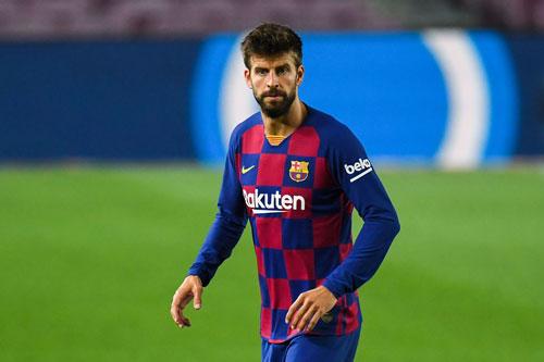 Trung vệ: Gerard Pique (Barcelona).