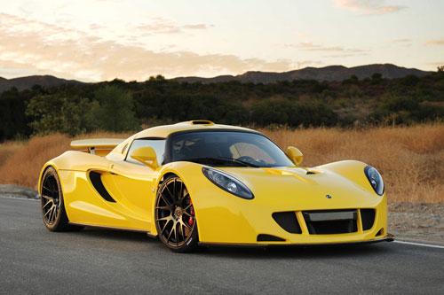 3. Hennessey Venom GT (vận tốc tối đa: 435 km/h).