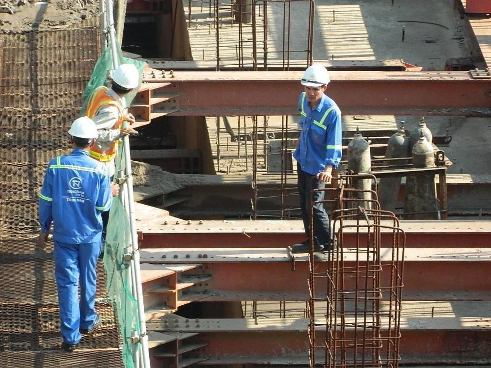 Hạng mục thi công cống kiểm soát triều Tân Thuận thuộc dự án giải quyết ngập do triều có xét đến yếu tố biến đổi khí hậu khu vực TP.HCM.