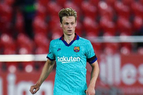 Tiền vệ trung tâm: Frenkie de Jong (Barcelona).