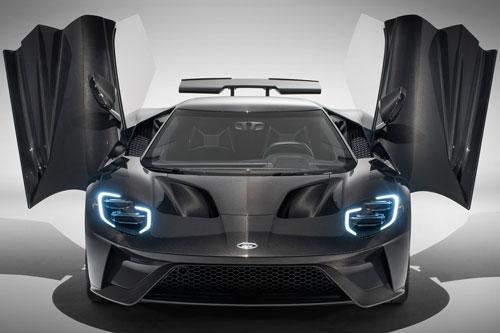 9. Ford GT (vận tốc tối đa: 348 km/h).