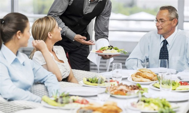 9 món ăn mà nhân viên nhà hàng khuyên bạn tuyệt đối không gọi, cái thứ 4 sẽ khiến bạn sốc - Ảnh 1.