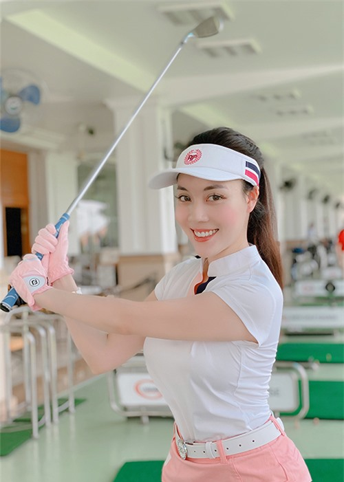 Âu Hạ My rất chăm chỉ luyện tập thể thao để giữ dáng. Cô đam mê chơi golf và tập gym.