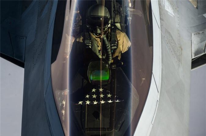 Vu khi phong than loi hai cua phi cong F-22 My-Hinh-5