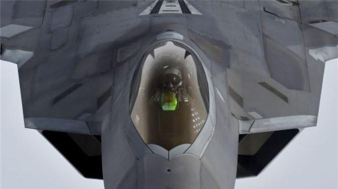 Vu khi phong than loi hai cua phi cong F-22 My-Hinh-6