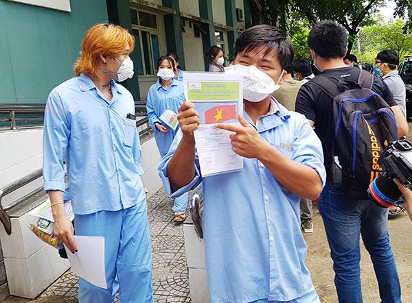 Đà Nẵng: 10 bệnh nhân Covid-19 được xuất viện tại Bệnh viện dã chiến Hòa Vang sáng nay 13/8