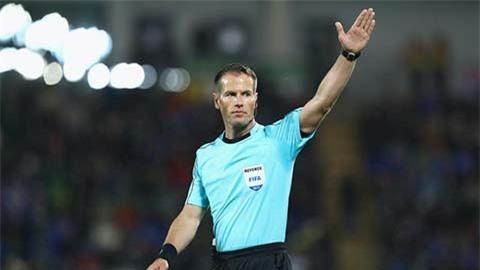 Lyon đòi đổi trọng tài bắt trận gặp Man City