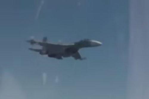 """Báo Nga: """"Máy bay quân sự Mỹ chạy trốn chiến đấu cơ Nga"""""""