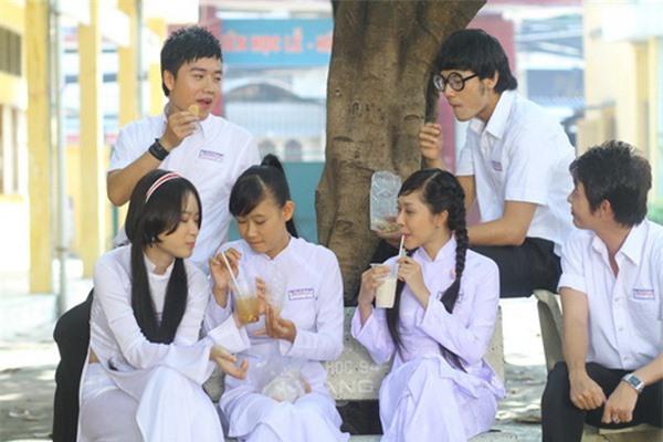 Dàn sao phim Tiểu thư đi học: Angela Phương Trinh ăn chay, Thiên Long rời showbiz - Ảnh 1.