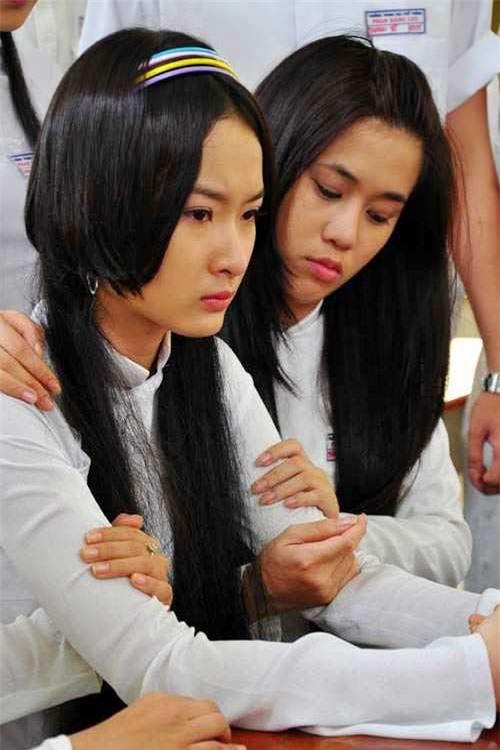 Dàn sao phim Tiểu thư đi học: Angela Phương Trinh ăn chay, Thiên Long rời showbiz - Ảnh 2.