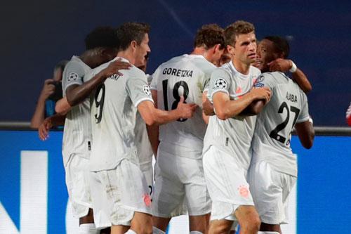 Bayern lập nên kỳ tích chưa từng có ở vòng đấu loại trực tiếp Champions League. Ảnh: Getty.