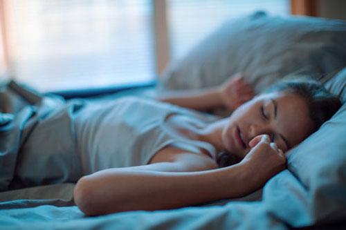 Mẹo hay để chìm vào giấc ngủ chỉ sau 2 phút như lính hải quân Mỹ