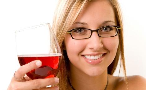 Rượu vang đỏ có tác dụng rất lớn trong việc bảo vệ và phòng chống bệnh tật.