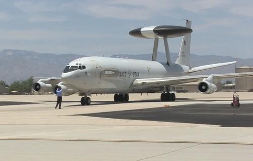 Máy bay chỉ huy - cảnh báo sớm trên không E-3A Sentry. Ảnh: Defence Blog.