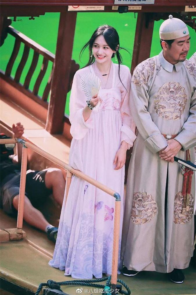 Bị soi di chứng dao kéo, Trịnh Sảng phản pháo với bộ ảnh cận cảnh nhan sắc đẹp xuất thần - Ảnh 7