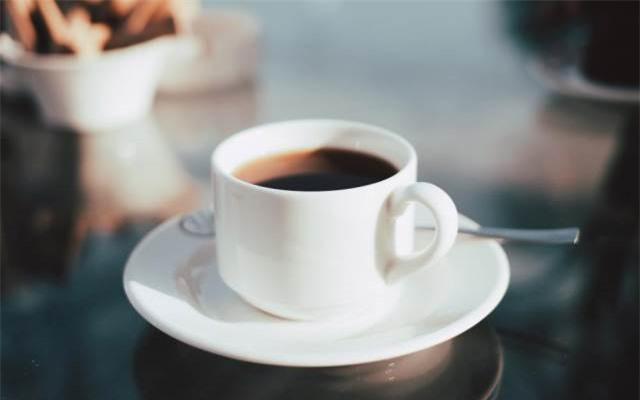 Uống cà phê trước khi vận động