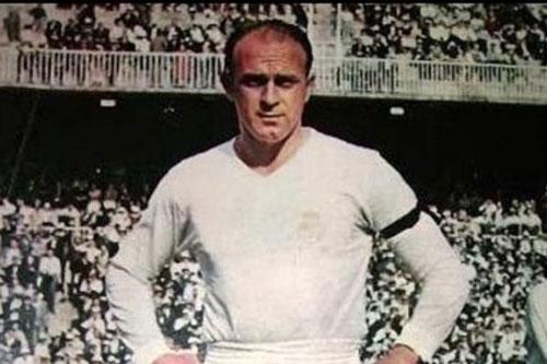 1. Di Stefano (thời gian thi đấu từ 1953 đến 1964).