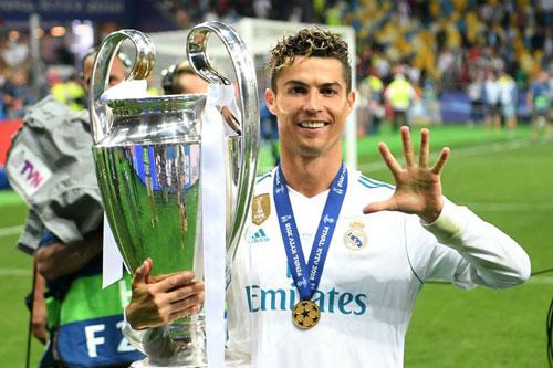 2. Cristiano Ronaldo (thời gian thi đấu từ 2009 đến 2018).