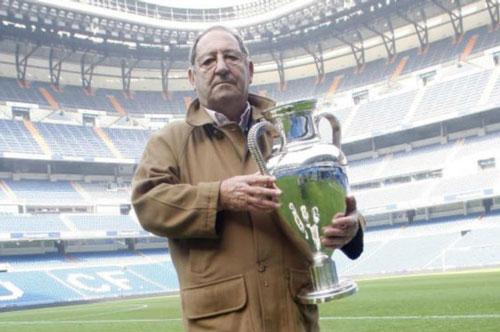 3. Paco Gento (thời gian thi đấu từ 1953 đến 1971).