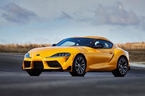 =4. Toyota Supra 3.0 2021 (giá khởi điểm: 50.990 USD, thời gian tăng tốc từ 0-96 km/h: 4 giây).