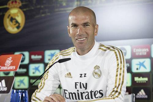 4. Zinedine Zidane (thời gian thi đấu từ 2001 đến 2006).