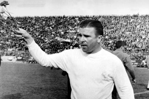 7. Puskas (thời gian thi đấu từ 1958 đến 1967).