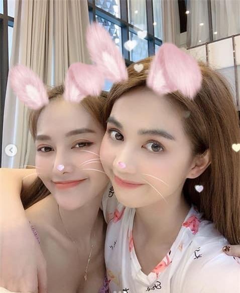 linh-chi-ngoc-trinh-03-ngoisaovn-w478-h585 1