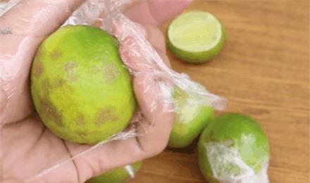 Cất trong tủ lạnh cả tháng mà quả chanh vẫn căng mọng, tươi rói chỉ nhờ một tờ báo cũ - 10