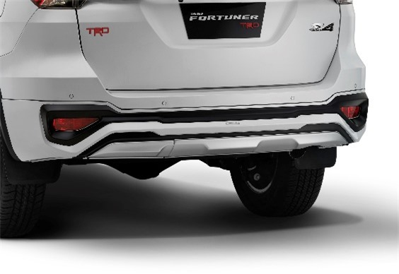 Ra mat Toyota Fortuner TRD Limited Edition, gia tu 46.614 USD anh 3
