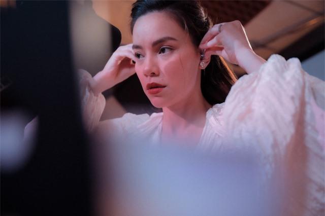 Hồ Ngọc Hà chia sẻ ảnh hậu trường xinh đẹp - Ảnh 2.