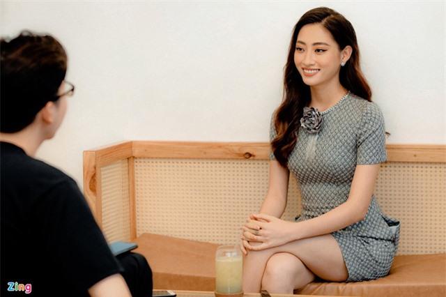 Hoa hậu Lương Thùy Linh: 'Tôi không chỉ có đôi chân dài 1,22 m' - Ảnh 10.