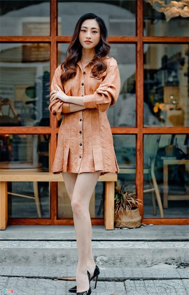 Hoa hậu Lương Thùy Linh: 'Tôi không chỉ có đôi chân dài 1,22 m' - Ảnh 2.