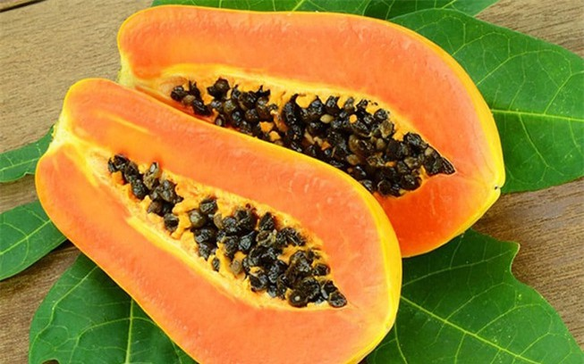Enzyme papain trong đu đủ có tác dụng tẩy tế bào chất, thúc đẩy quá trình tái tạo da.