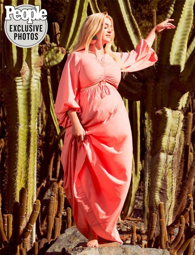 Sắp đến ngày sinh, Katy Perry vẫn không sợ hãi - Ảnh 1.