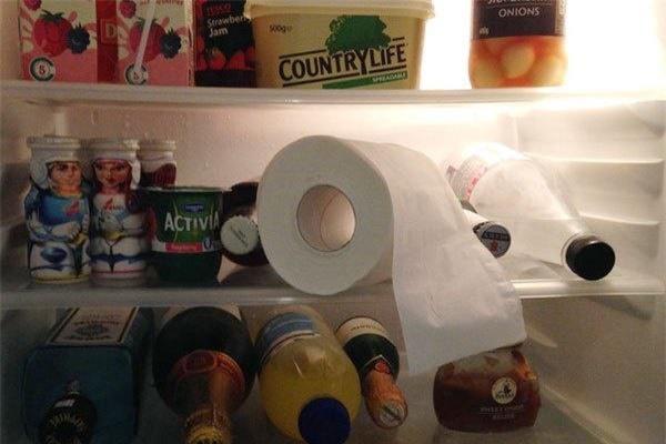 """Thấy con dâu bỏ giấy ăn vào tủ lạnh, mẹ chồng định mắng """"phủ đầu"""" thì… - 1"""
