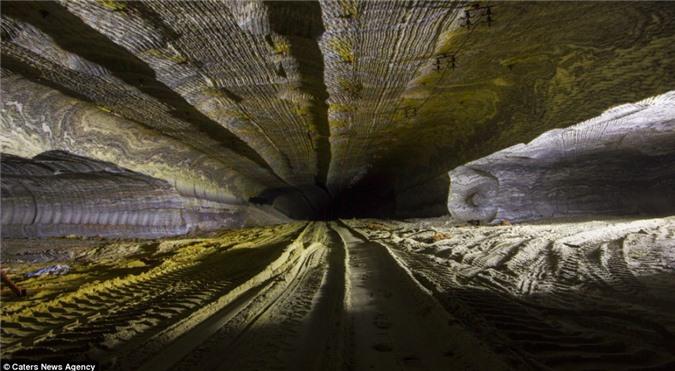 Vẻ đẹp của mỏ muối đã cuốn hút nhiếp ảnh gia Mikhail