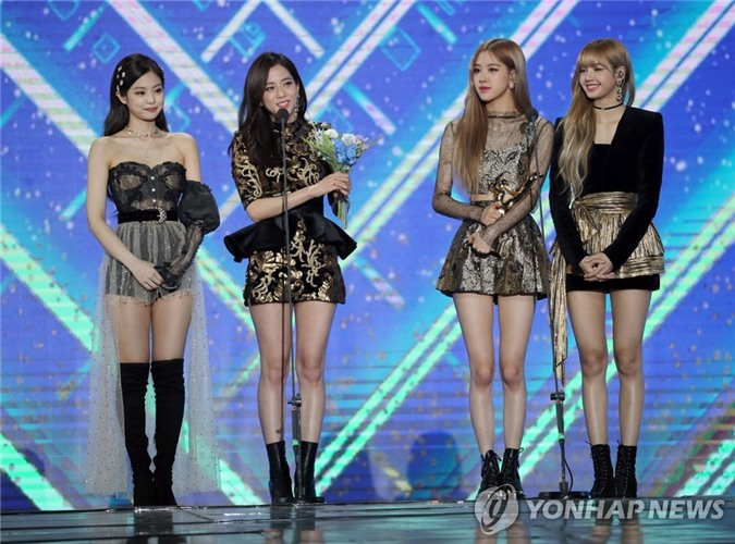 YooA (Oh My Girl) gây sốt với body siêu thực, Netizen lo sợ BLACKPINK sớm bị soán ngôi   - Ảnh 10