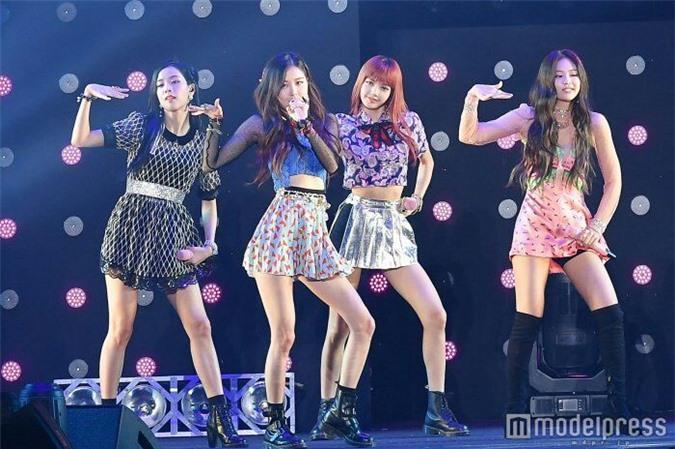 YooA (Oh My Girl) gây sốt với body siêu thực, Netizen lo sợ BLACKPINK sớm bị soán ngôi   - Ảnh 9