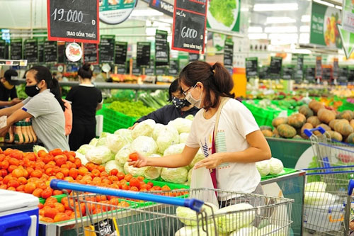 Trước sức ép cạnh tranh lớn, doanh nghiệp bán lẻ Việt phải chứng minh được thế mạnh của mình.