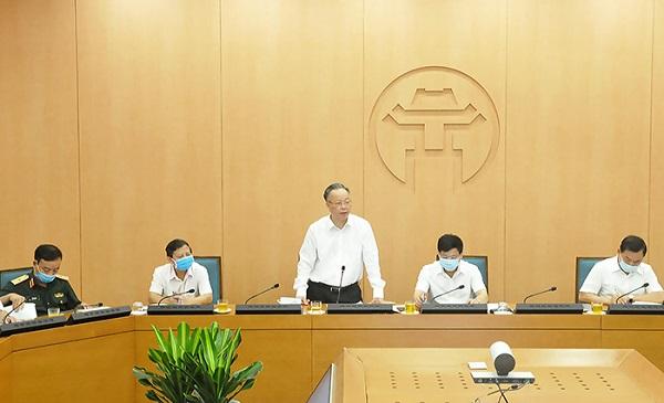 Đồng chí Nguyễn Văn Sửu phát biểu tại phiên họp.