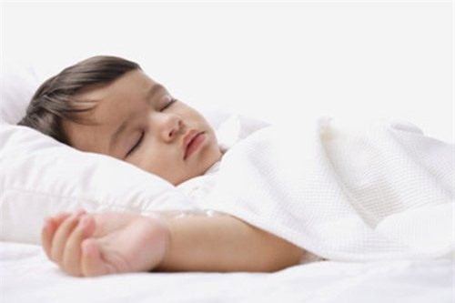 4 cách ít ai biết khiến bé sơ sinh có tỉnh táo đến mấy cũng sẽ ngủ trong tích tắc - 1